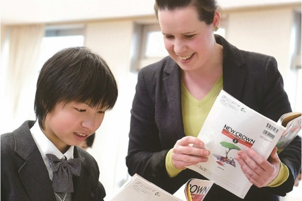 神田女学園中では2015年からグロ...