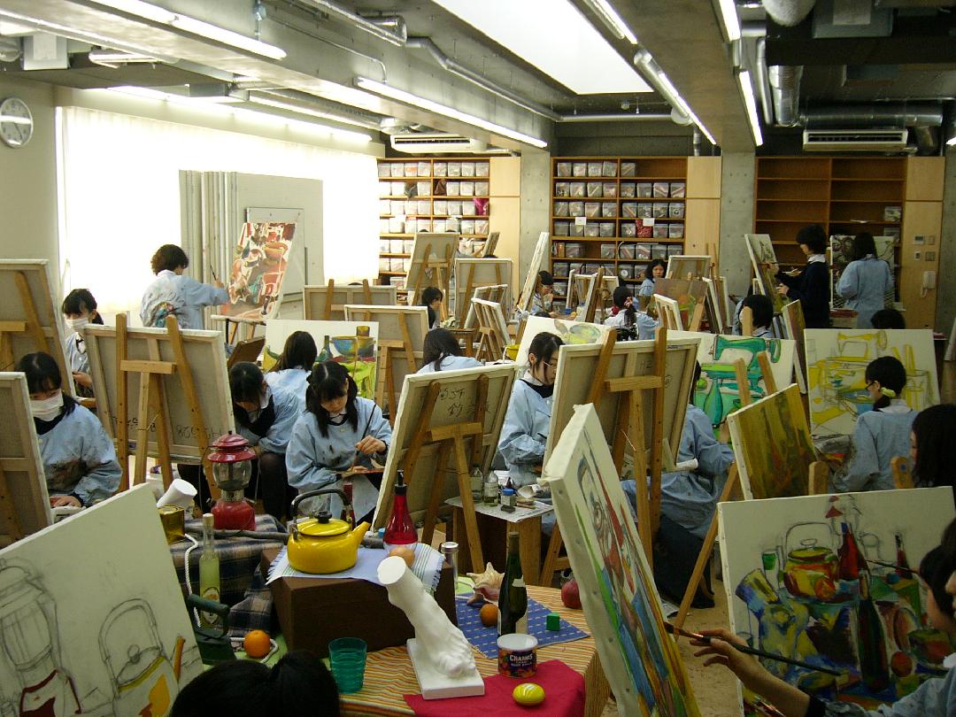 美術 大学 女子